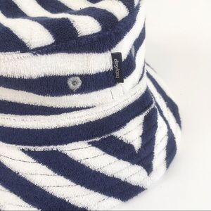 NWT Baby Gap Terry Cloth Bucket Hat 0-3 Months